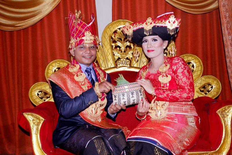 Baju Adat Nias untuk Menikah