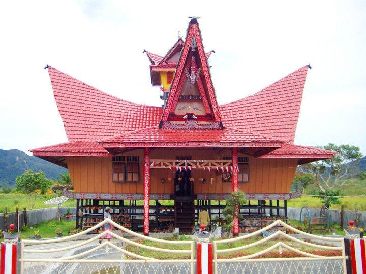 Nama Rumah Adat Sumatera Utara