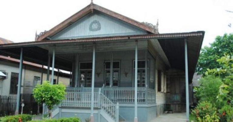 Rumah Adat Banjarmasin