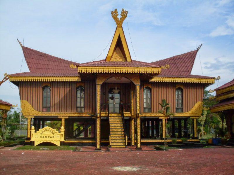 Rumah Adat Suku Melayu Deli